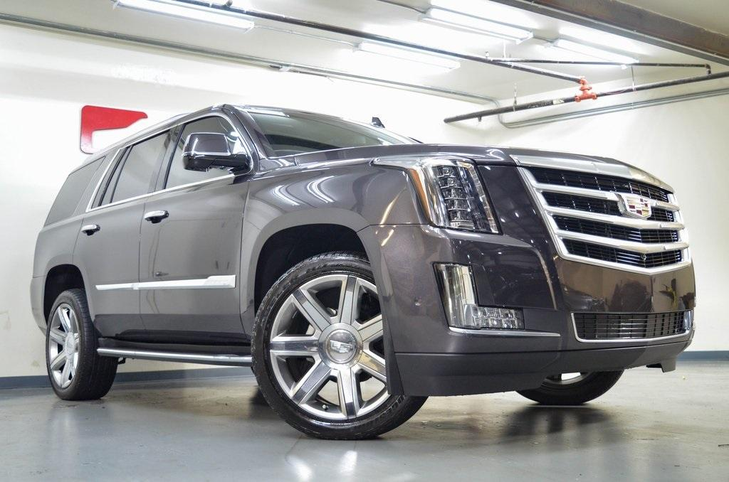 Used 2017 Cadillac Escalade Luxury for sale Sold at Gravity Autos in Roswell GA 30076 1
