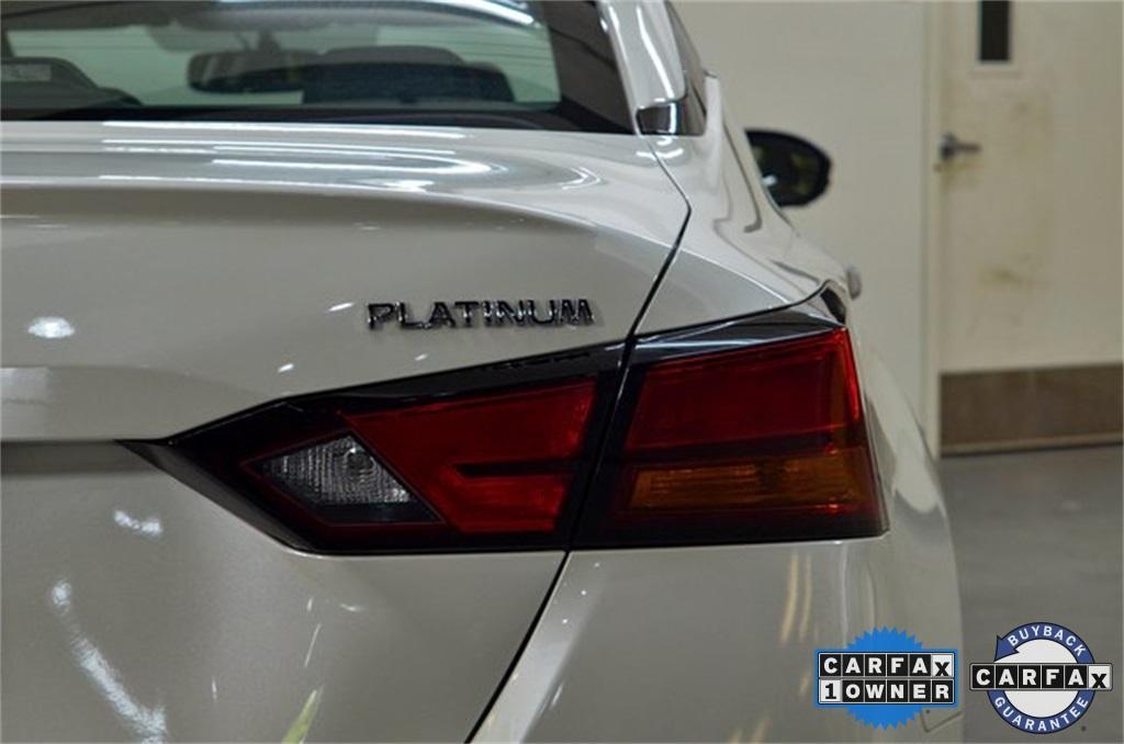 Used 2019 Nissan Altima 2.5 Platinum for sale Sold at Gravity Autos Marietta in Marietta GA 30060 15
