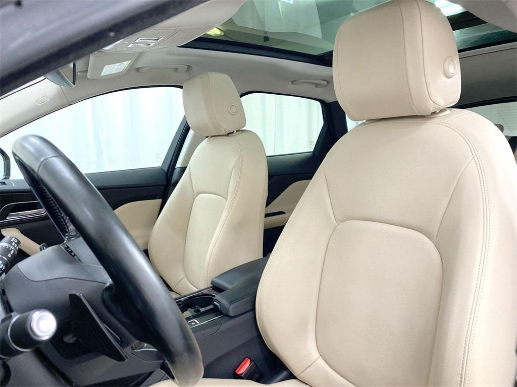 Used 2017 Jaguar F-PACE 35t Premium for sale Sold at Gravity Autos Marietta in Marietta GA 30060 16