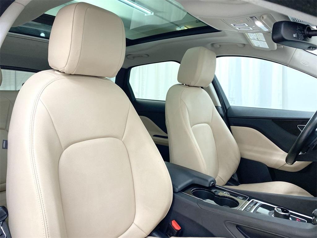 Used 2017 Jaguar F-PACE 35t Premium for sale Sold at Gravity Autos Marietta in Marietta GA 30060 18