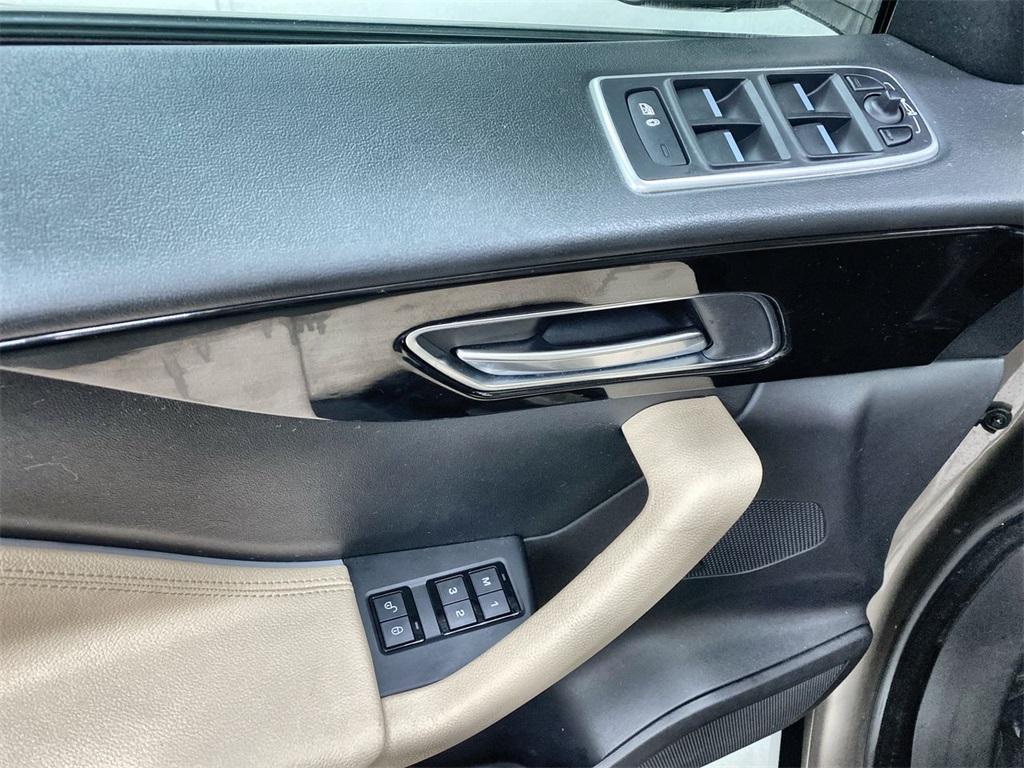 Used 2017 Jaguar F-PACE 35t Premium for sale Sold at Gravity Autos Marietta in Marietta GA 30060 20