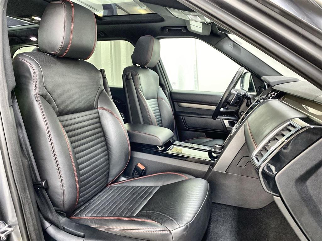 Used 2017 Land Rover Discovery HSE for sale Sold at Gravity Autos Marietta in Marietta GA 30060 19