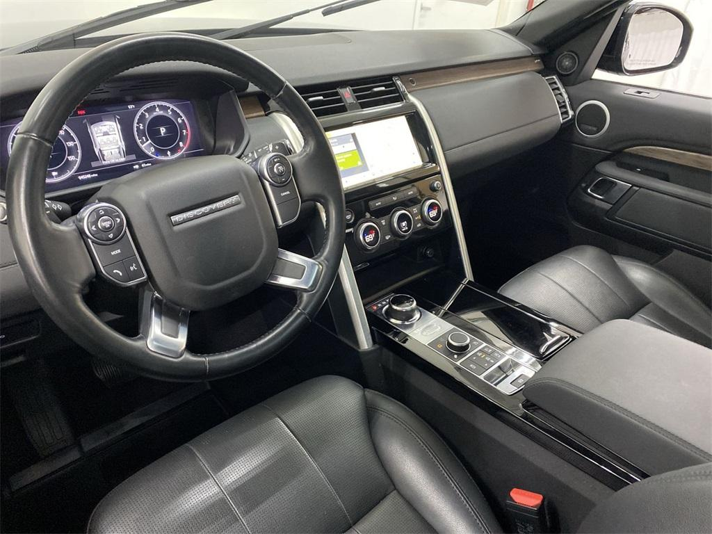 Used 2018 Land Rover Discovery HSE for sale $40,444 at Gravity Autos Marietta in Marietta GA 30060 39