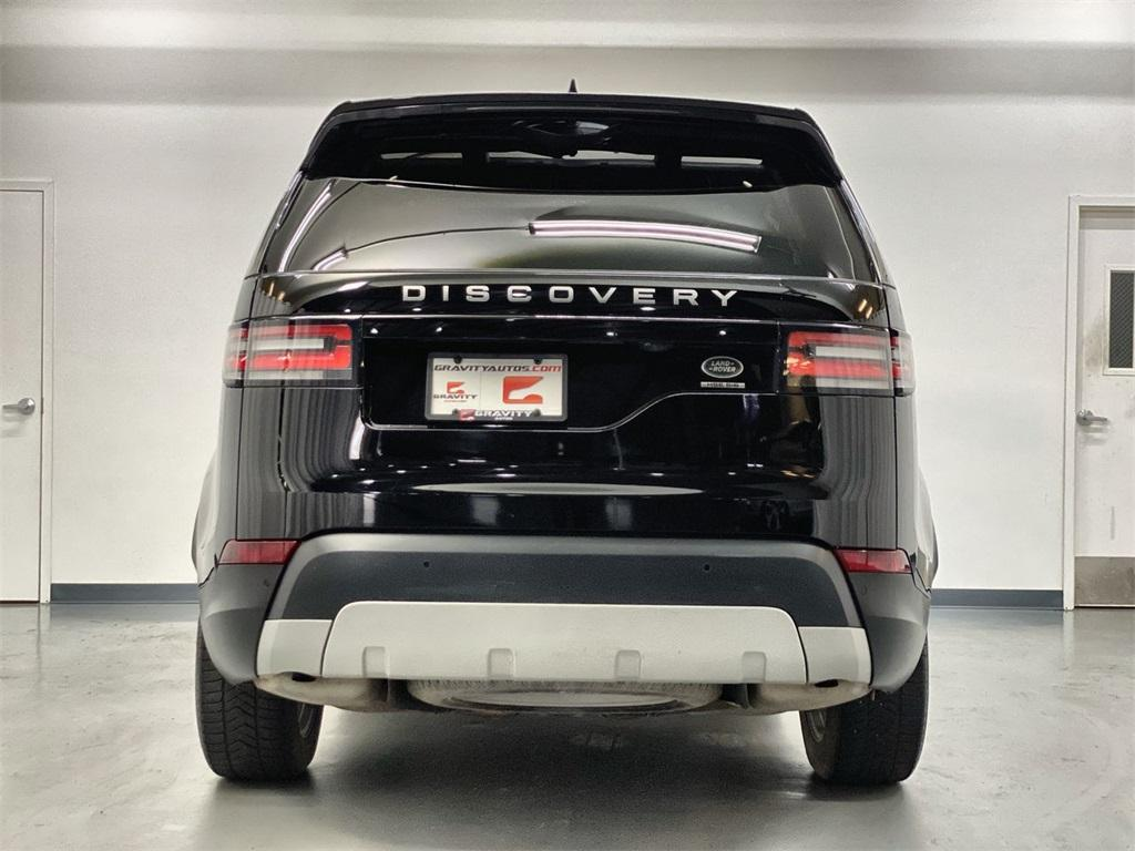 Used 2018 Land Rover Discovery HSE for sale $40,444 at Gravity Autos Marietta in Marietta GA 30060 7