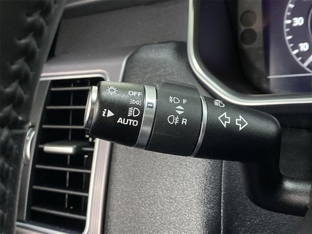 Used 2018 Land Rover Range Rover Sport HSE for sale $60,599 at Gravity Autos Marietta in Marietta GA 30060 28