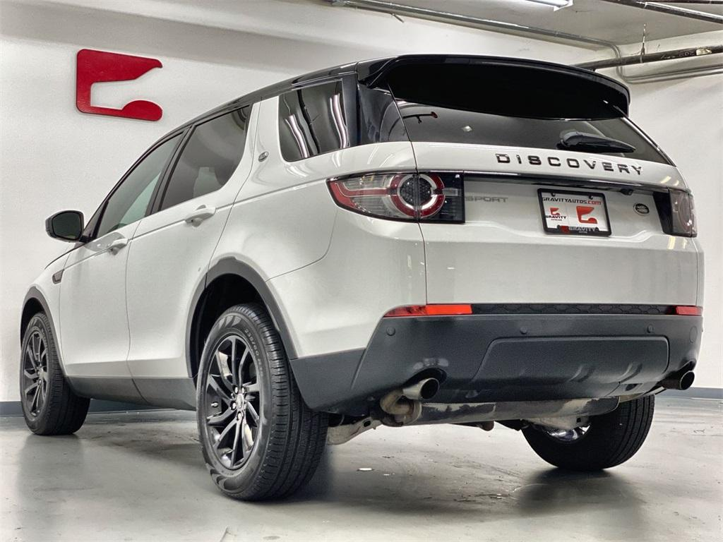 Used 2016 Land Rover Discovery Sport SE for sale Sold at Gravity Autos Marietta in Marietta GA 30060 7