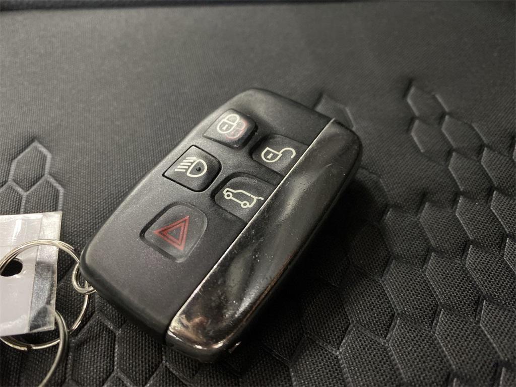 Used 2018 Land Rover Discovery Sport SE for sale $29,554 at Gravity Autos Marietta in Marietta GA 30060 39