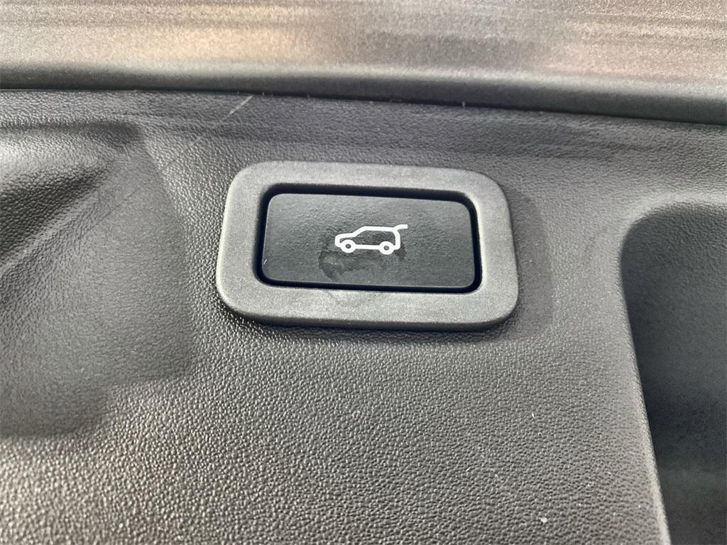 Used 2018 Land Rover Discovery Sport SE for sale $29,554 at Gravity Autos Marietta in Marietta GA 30060 41