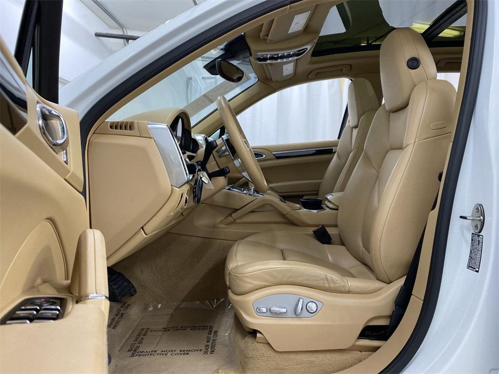 Used 2016 Porsche Cayenne Base for sale Sold at Gravity Autos Marietta in Marietta GA 30060 9
