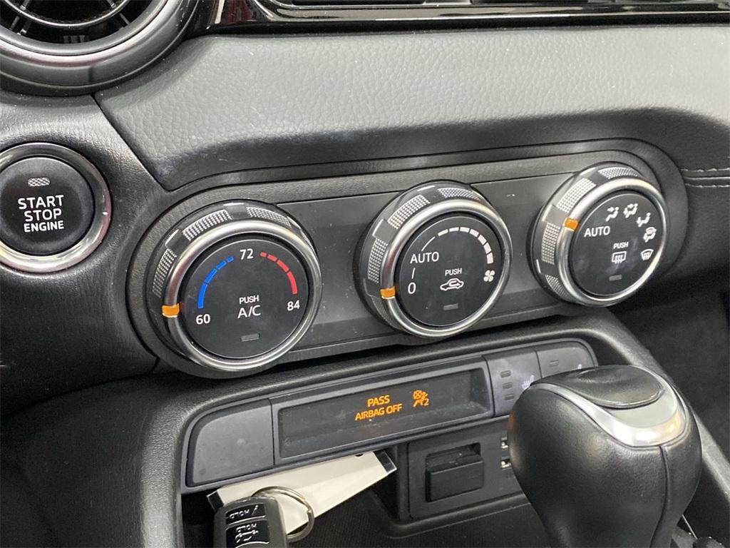 Used 2017 Fiat 124 Spider Lusso for sale $22,998 at Gravity Autos Marietta in Marietta GA 30060 32