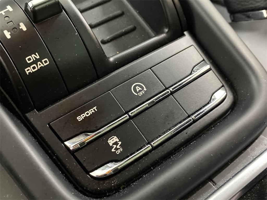 Used 2017 Porsche Cayenne Platinum Edition for sale $46,888 at Gravity Autos Marietta in Marietta GA 30060 28