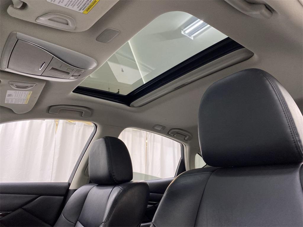 Used 2018 INFINITI Q70 3.7X for sale $29,999 at Gravity Autos Marietta in Marietta GA 30060 36