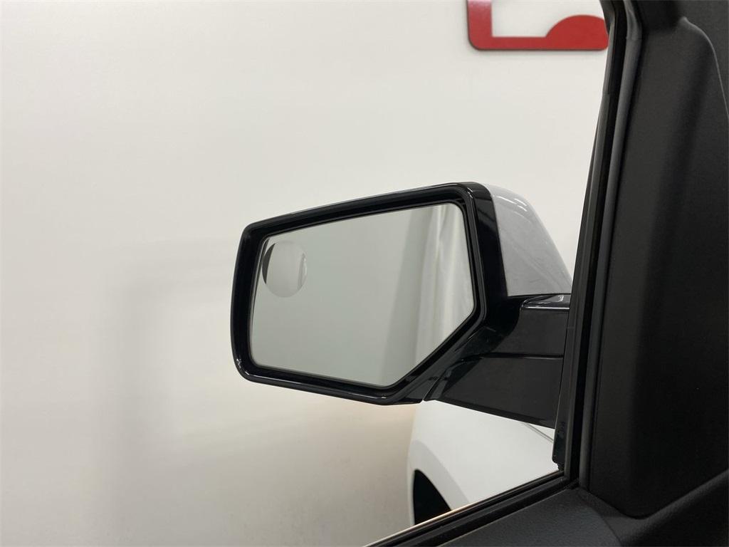 Used 2018 GMC Yukon XL SLE for sale Sold at Gravity Autos Marietta in Marietta GA 30060 15