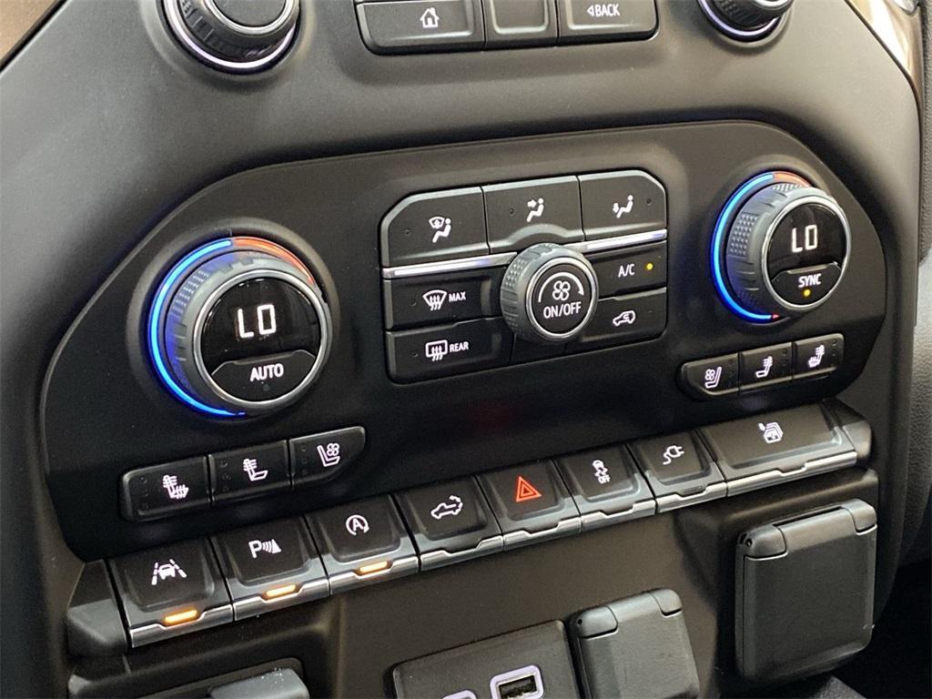 Used 2019 Chevrolet Silverado 1500 High Country for sale $54,998 at Gravity Autos Marietta in Marietta GA 30060 38