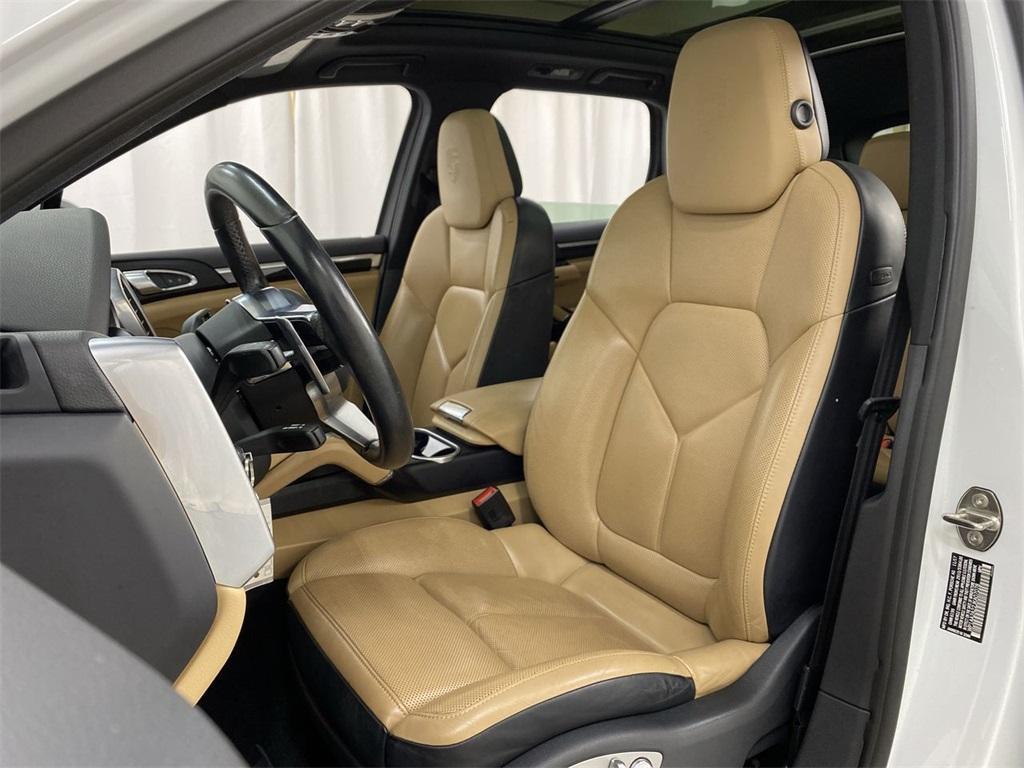 Used 2018 Porsche Cayenne Platinum Edition for sale $49,998 at Gravity Autos Marietta in Marietta GA 30060 18
