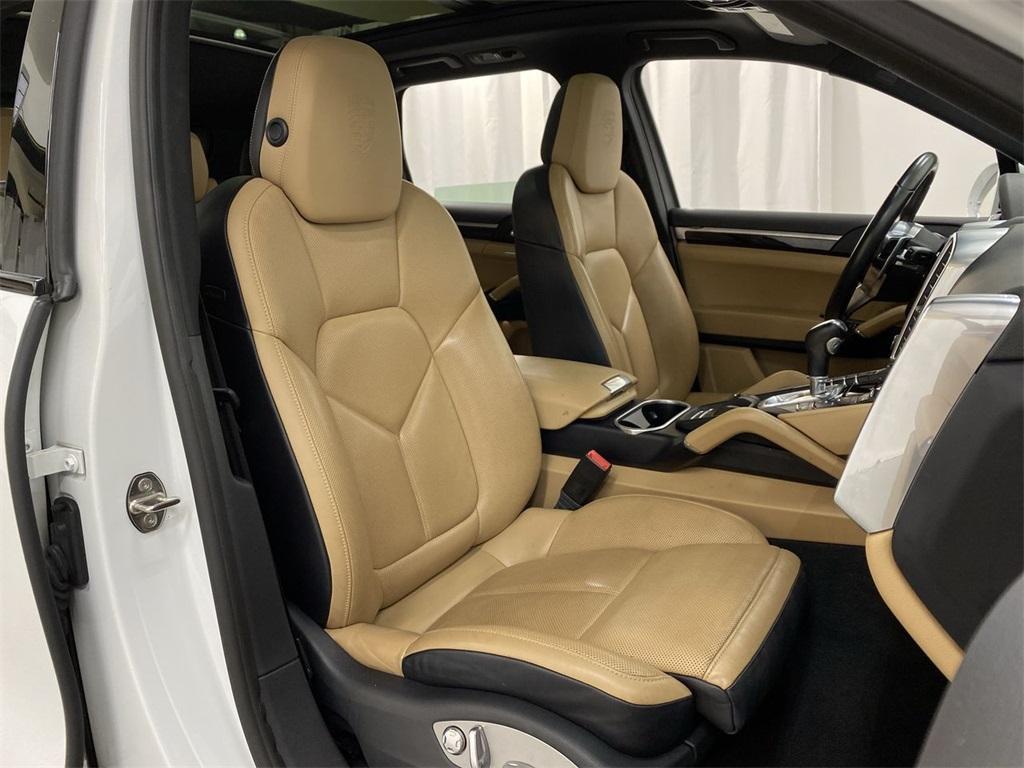 Used 2018 Porsche Cayenne Platinum Edition for sale $49,998 at Gravity Autos Marietta in Marietta GA 30060 20