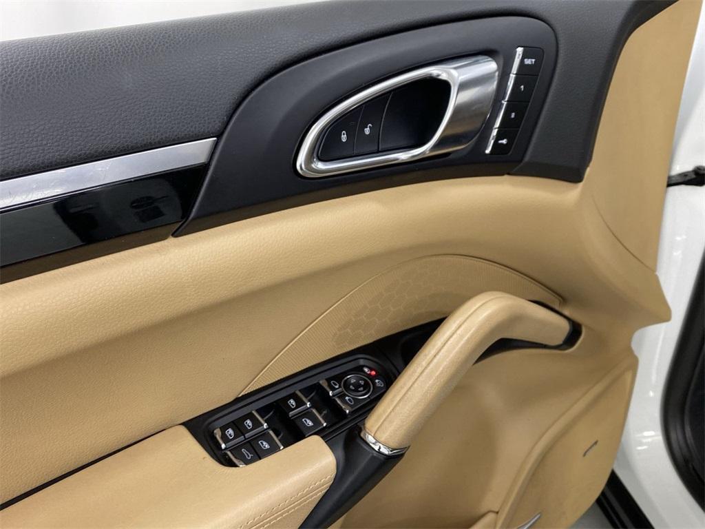 Used 2018 Porsche Cayenne Platinum Edition for sale $49,998 at Gravity Autos Marietta in Marietta GA 30060 22