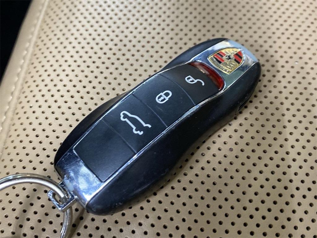 Used 2018 Porsche Cayenne Platinum Edition for sale $49,998 at Gravity Autos Marietta in Marietta GA 30060 48