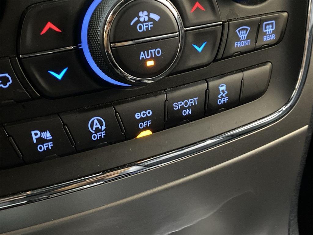 Used 2018 Jeep Grand Cherokee Laredo for sale $29,496 at Gravity Autos Marietta in Marietta GA 30060 34