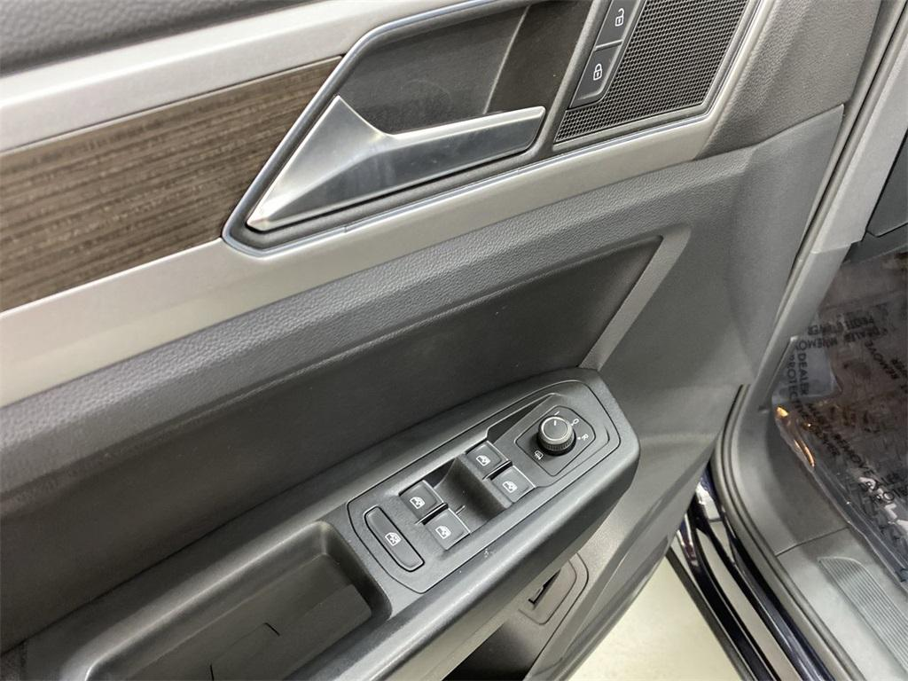 Used 2018 Volkswagen Atlas 3.6L V6 SE w/Technology for sale $31,444 at Gravity Autos Marietta in Marietta GA 30060 18