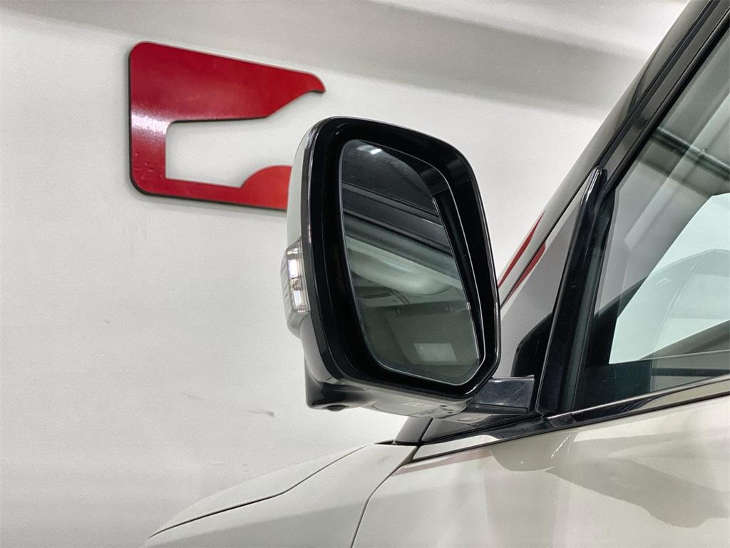 Used 2016 INFINITI QX80 Base for sale $33,888 at Gravity Autos Marietta in Marietta GA 30060 12