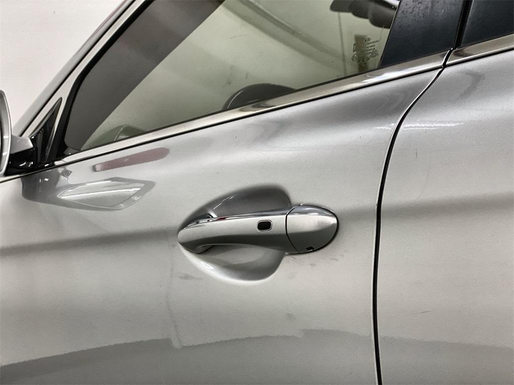 Used 2015 Kia K900 Premium for sale $20,998 at Gravity Autos Marietta in Marietta GA 30060 12