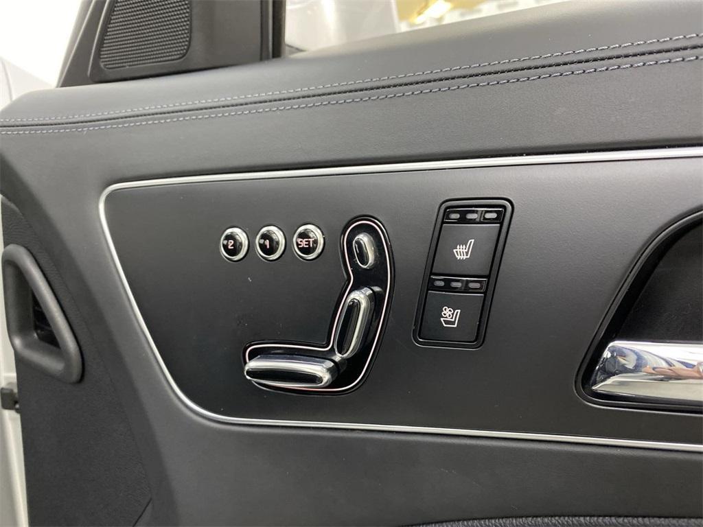 Used 2015 Kia K900 Premium for sale $20,998 at Gravity Autos Marietta in Marietta GA 30060 18