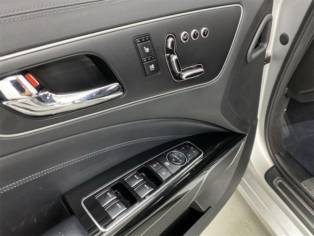 Used 2015 Kia K900 Premium for sale $20,998 at Gravity Autos Marietta in Marietta GA 30060 19