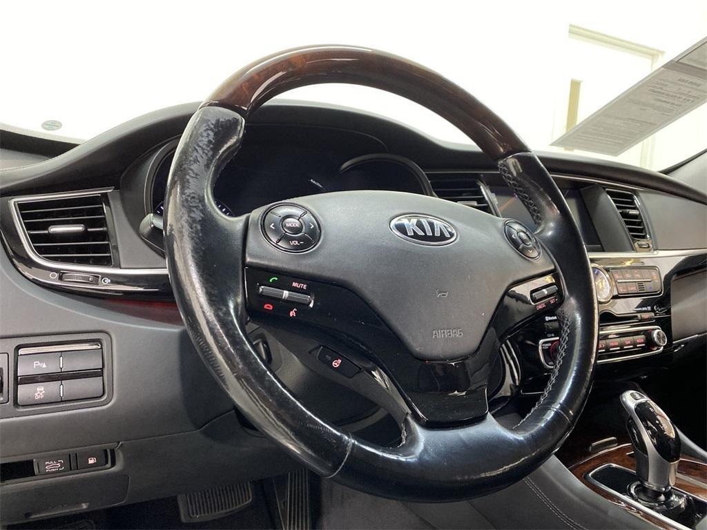 Used 2015 Kia K900 Premium for sale $20,998 at Gravity Autos Marietta in Marietta GA 30060 22