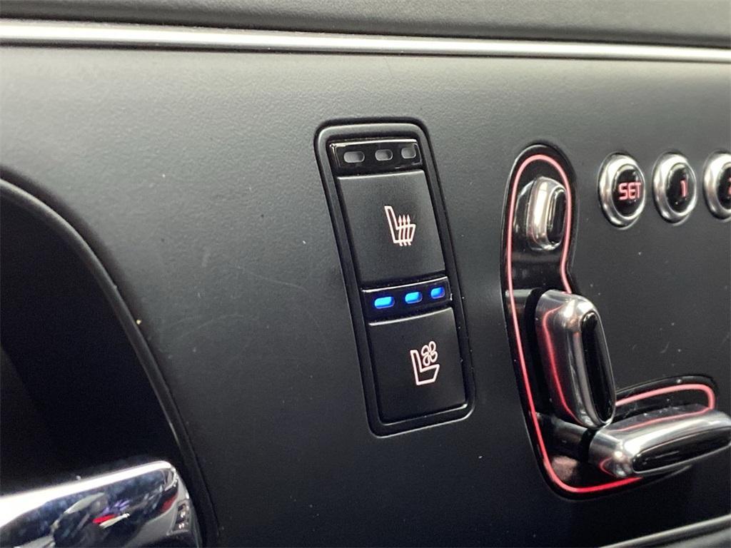Used 2015 Kia K900 Premium for sale $20,998 at Gravity Autos Marietta in Marietta GA 30060 34