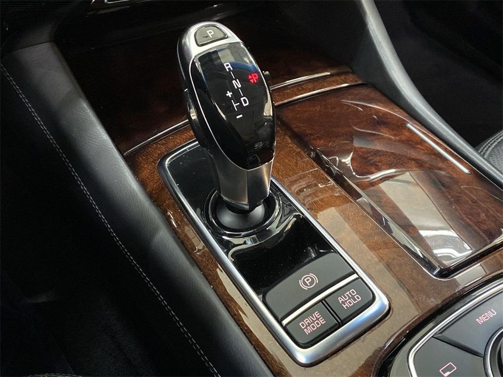 Used 2015 Kia K900 Premium for sale $20,998 at Gravity Autos Marietta in Marietta GA 30060 36