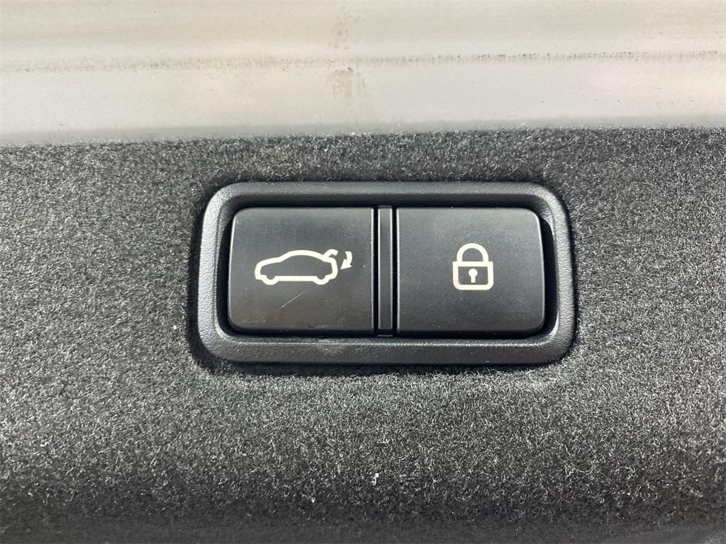 Used 2015 Kia K900 Premium for sale $20,998 at Gravity Autos Marietta in Marietta GA 30060 50