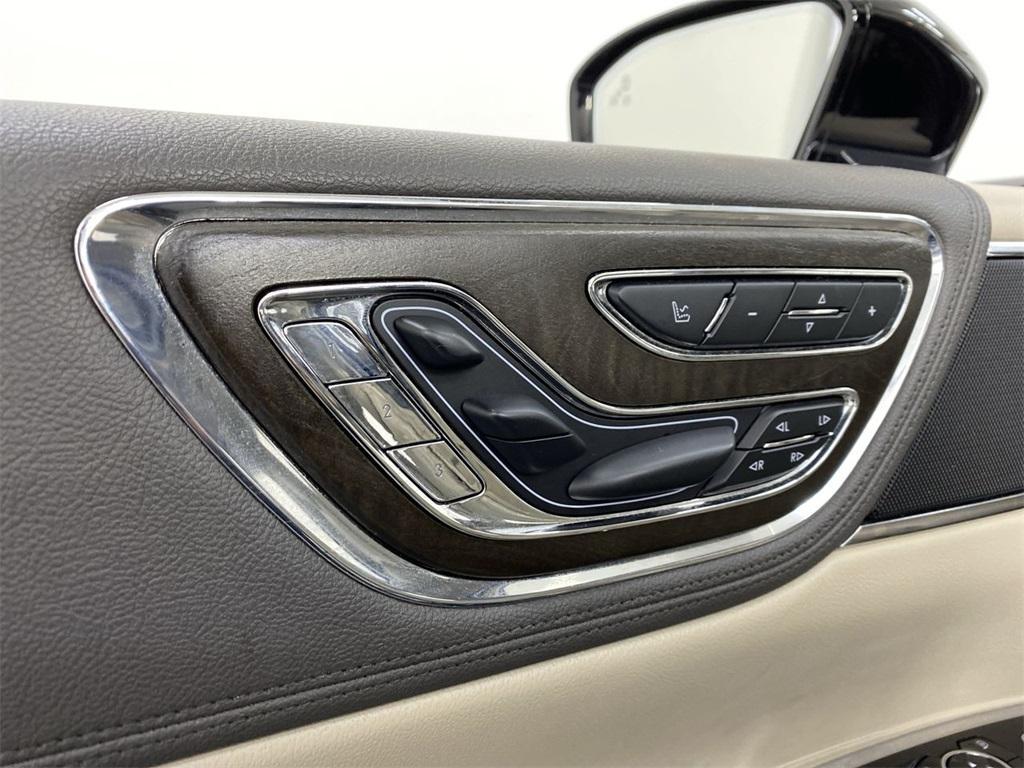Used 2017 Lincoln Continental Select for sale $29,998 at Gravity Autos Marietta in Marietta GA 30060 16