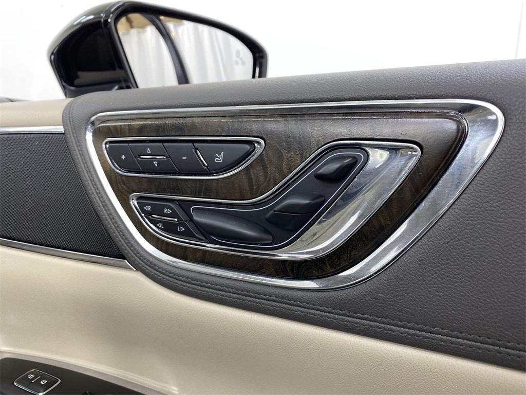 Used 2017 Lincoln Continental Select for sale $29,998 at Gravity Autos Marietta in Marietta GA 30060 18