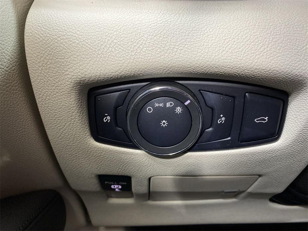 Used 2017 Lincoln Continental Select for sale $29,998 at Gravity Autos Marietta in Marietta GA 30060 28