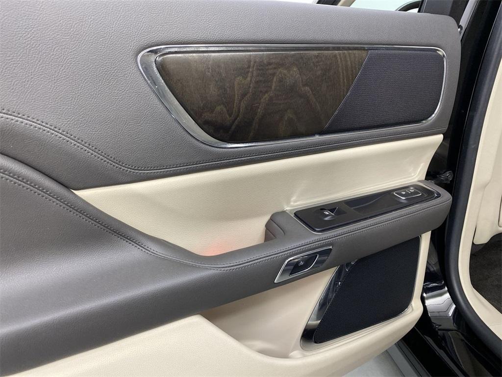 Used 2017 Lincoln Continental Select for sale $29,998 at Gravity Autos Marietta in Marietta GA 30060 46