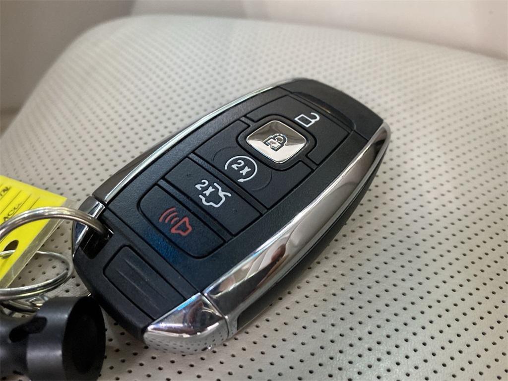 Used 2017 Lincoln Continental Select for sale $29,998 at Gravity Autos Marietta in Marietta GA 30060 47