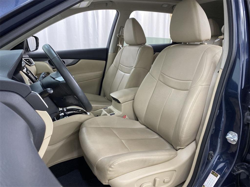 Used 2016 Nissan Rogue SL for sale Sold at Gravity Autos Marietta in Marietta GA 30060 15