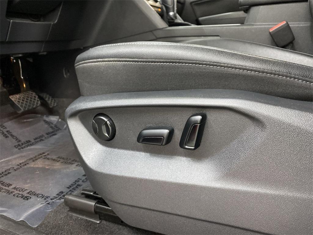 Used 2018 Volkswagen Atlas 3.6L V6 SE w/Technology for sale $31,998 at Gravity Autos Marietta in Marietta GA 30060 16