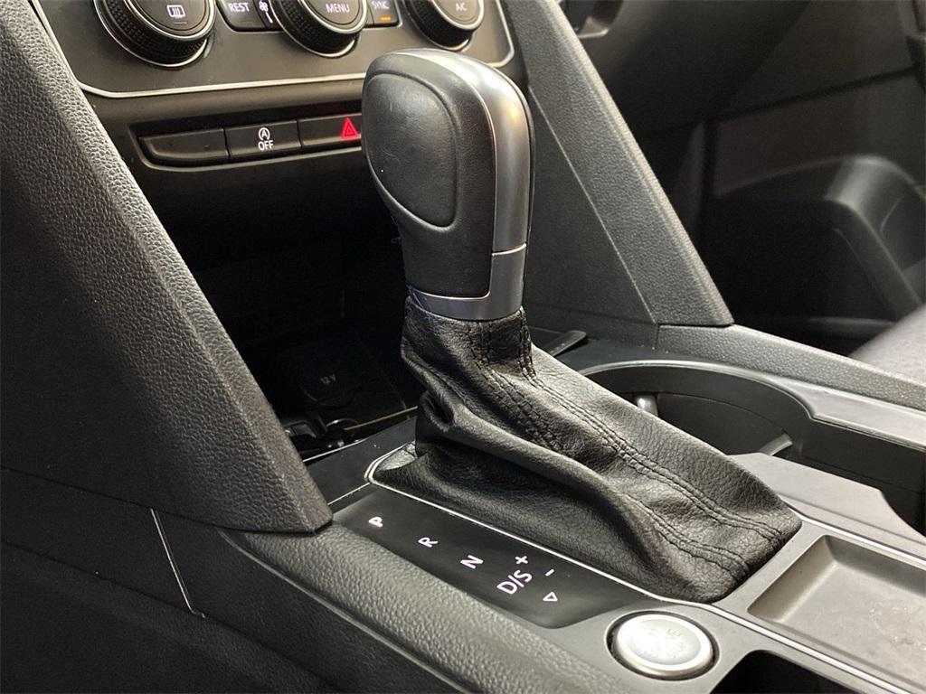 Used 2018 Volkswagen Atlas 3.6L V6 SE w/Technology for sale $31,998 at Gravity Autos Marietta in Marietta GA 30060 32