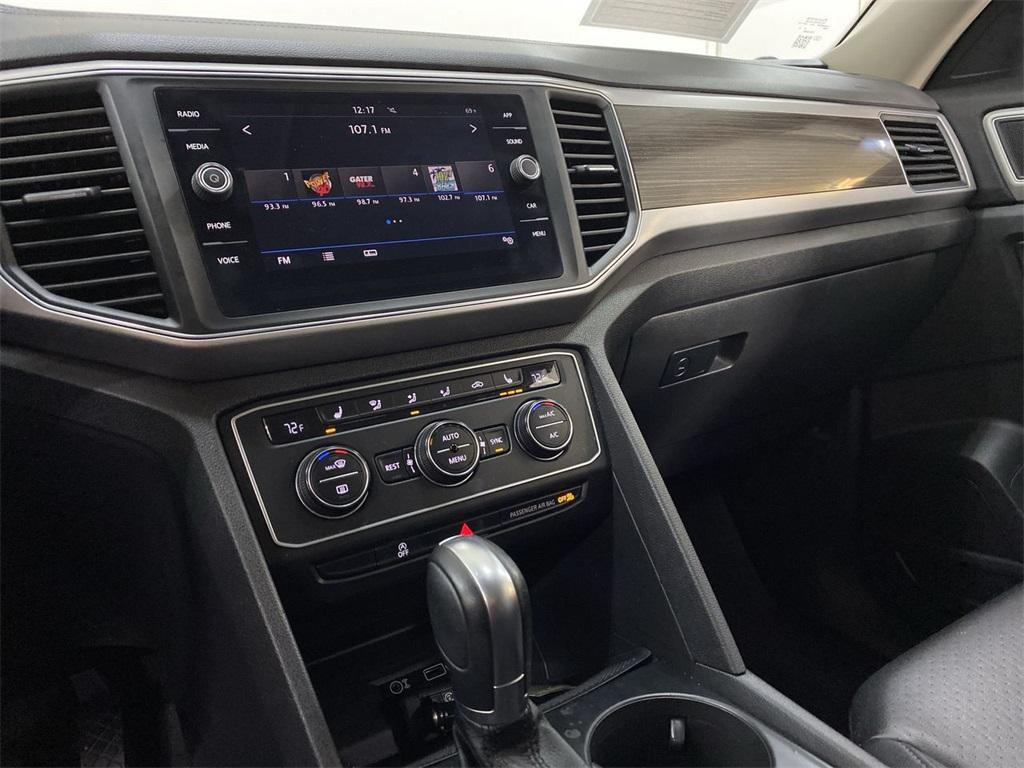 Used 2018 Volkswagen Atlas 3.6L V6 SE w/Technology for sale $31,998 at Gravity Autos Marietta in Marietta GA 30060 34